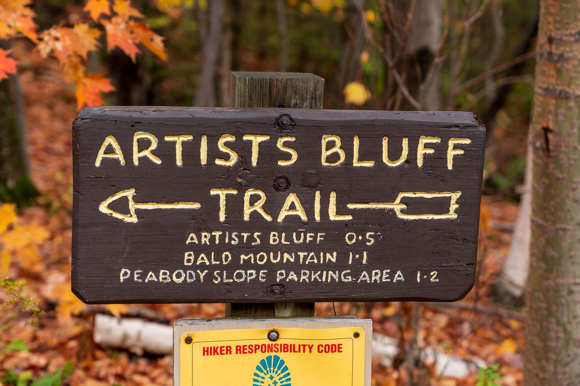 Artists Bluff Trail Sign