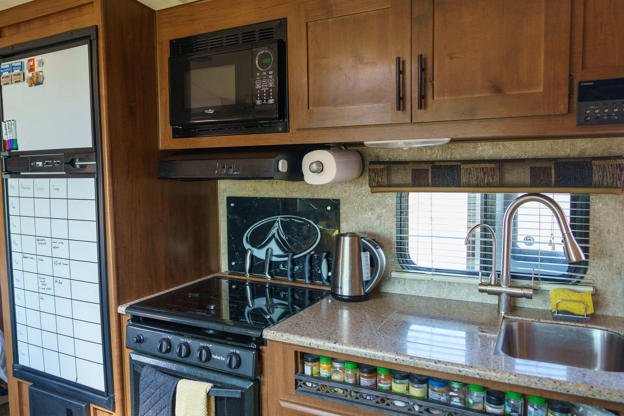 Outdoors RV 21RBS Kitchen
