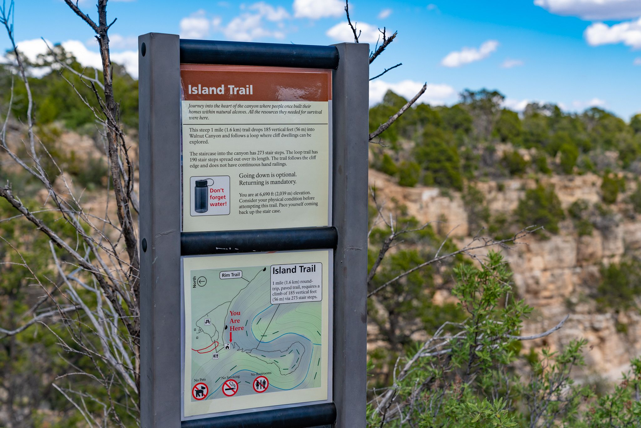 Walnut Canyon Island Trail