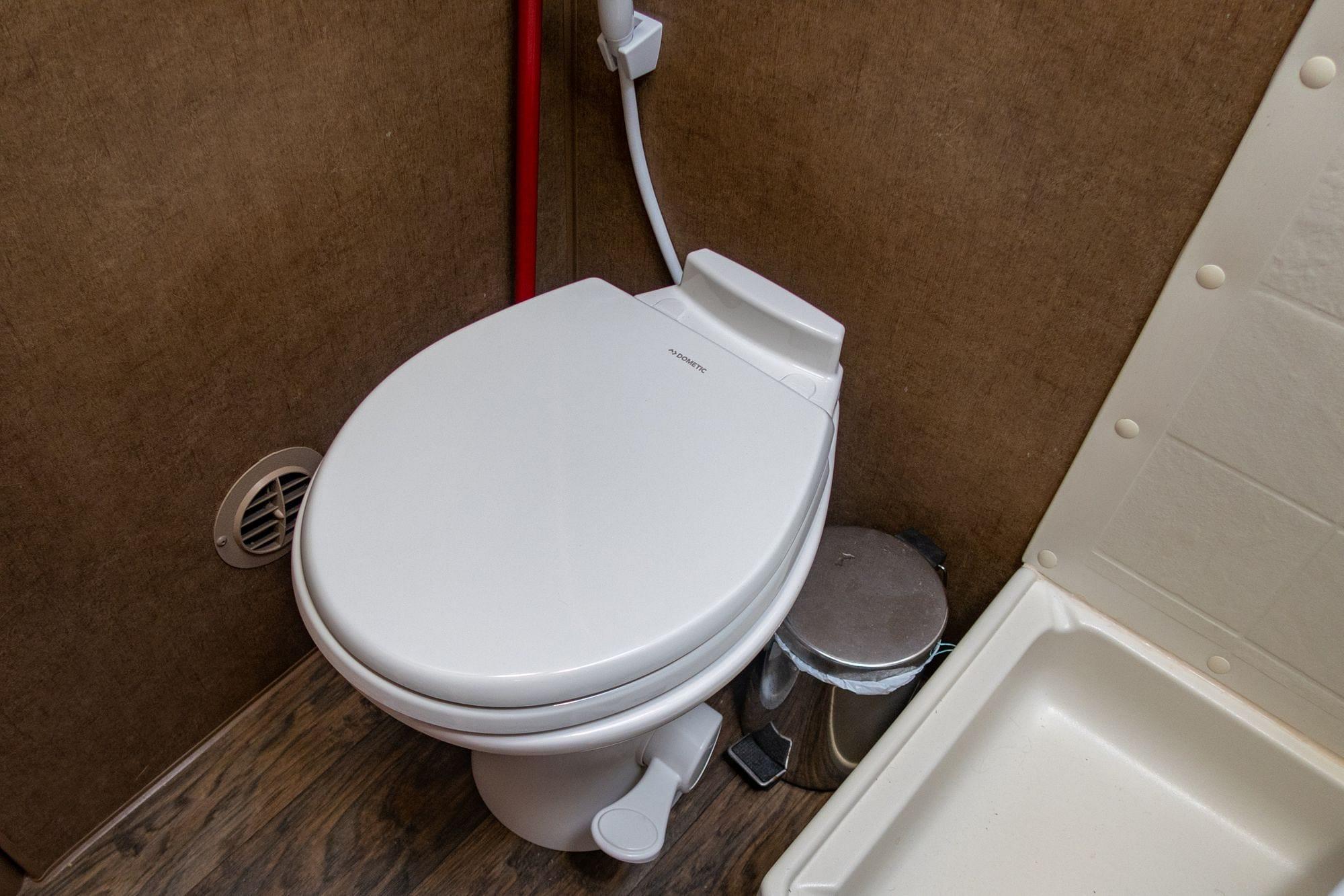 Dometic 310 RV Toilet