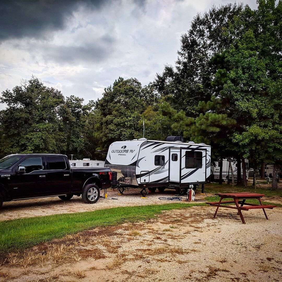Rainbows's End Escapees Campground