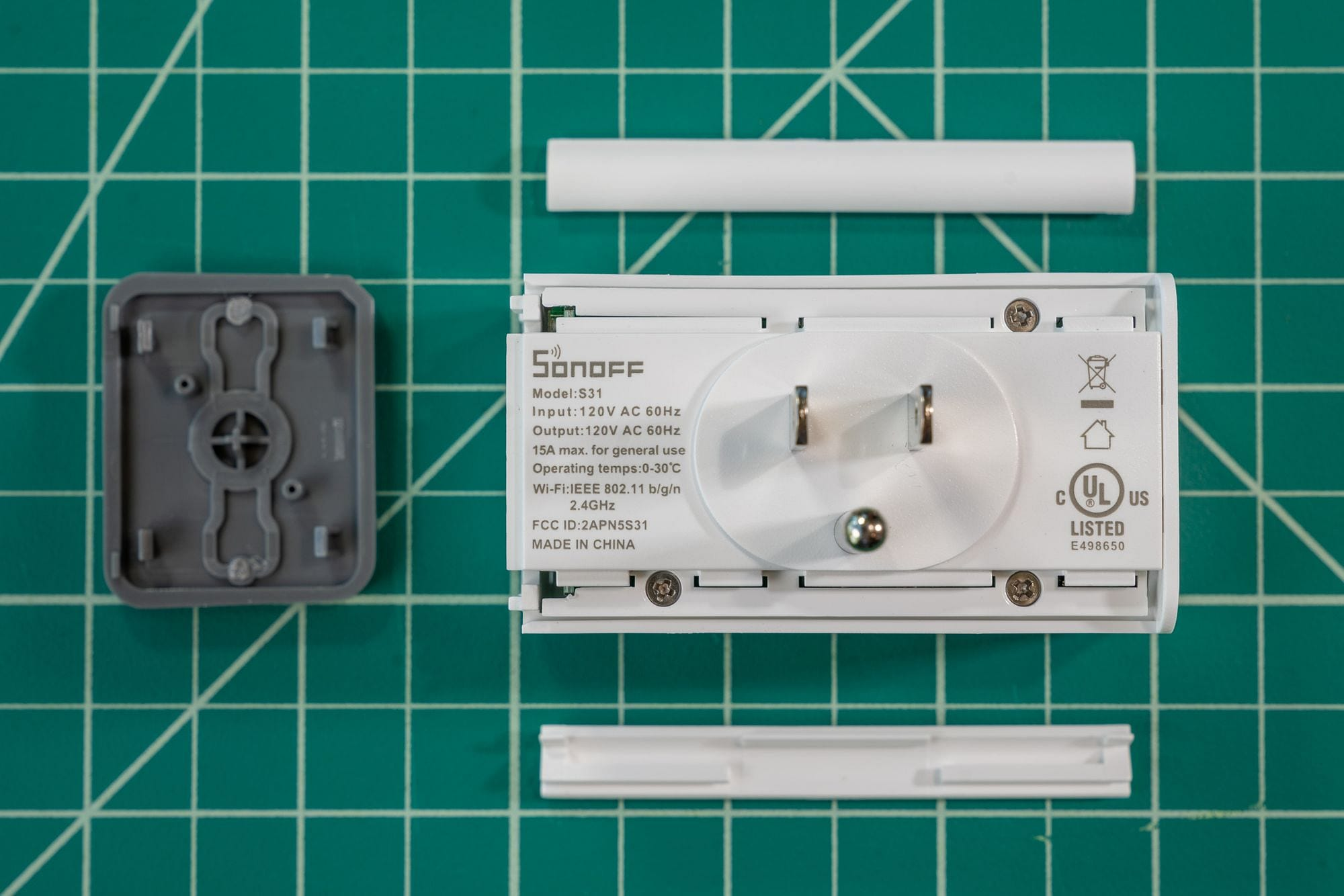 Sonoff S31 Screws