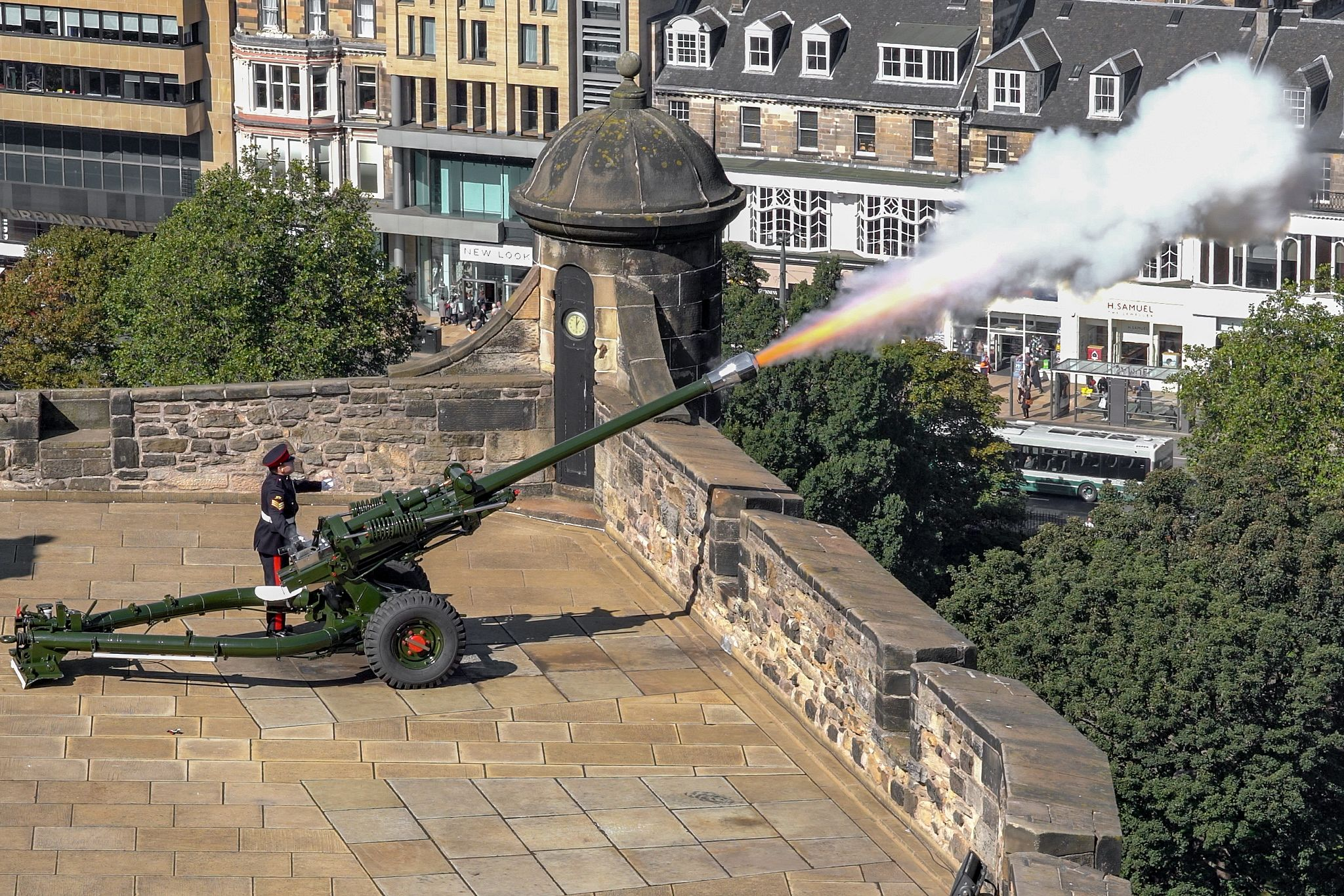 Edinburgh Castle's One O'Clock Gun